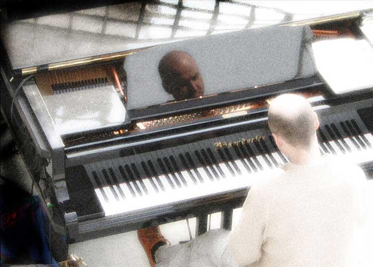 Paul am Klavier